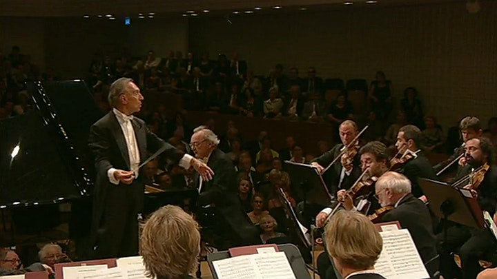 Alfred Brendel plays Beethoven's Piano Concerto No. 3