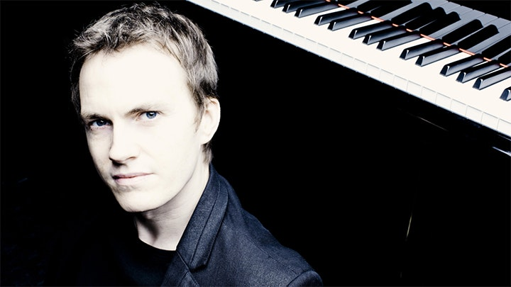 Alexandre Tharaud and the Violons du Roy perform Bach and Mozart