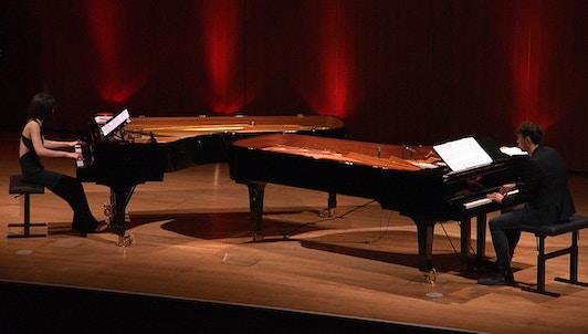 Alice Sara Ott et Francesco Tristano jouent Ravel, Debussy et Stravinsky