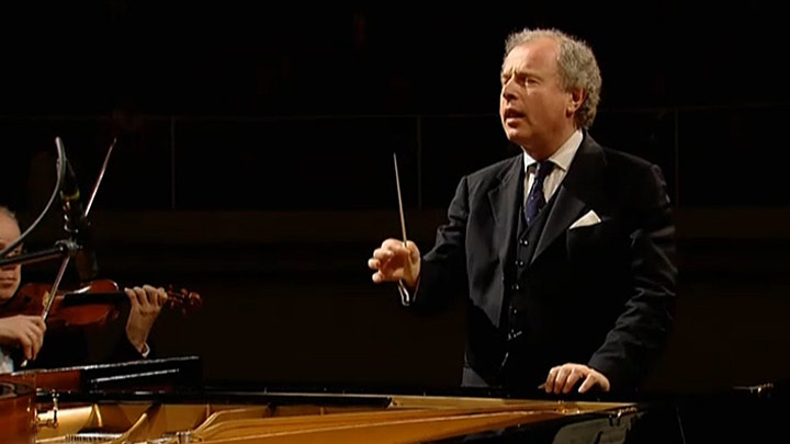 András Schiff plays and conducts Mozart