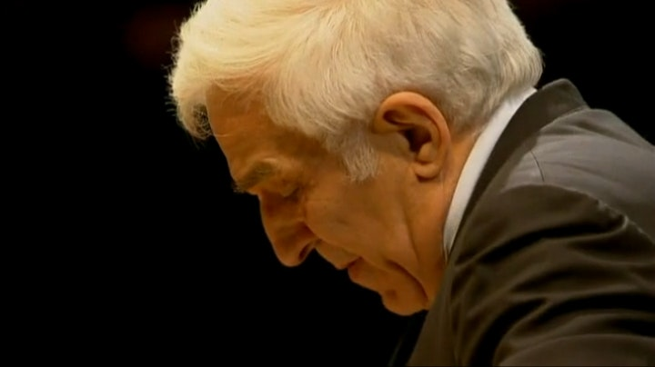 Vladimir Ashkenazy conducts Sibelius and Schumann