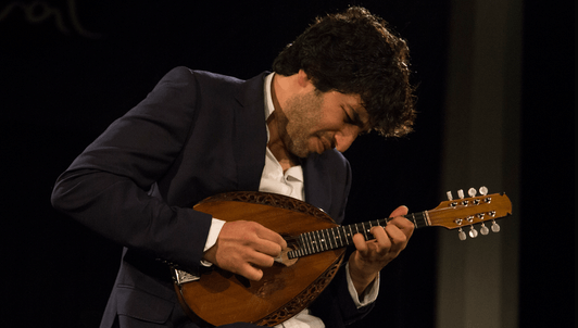 Avi Avital performs Sauli, Roustom, Kuwahara, Bach, and Bloch