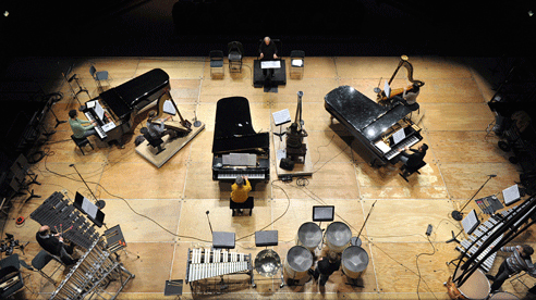 Boulez conducts his work Sur incises