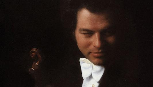 Carlo Maria Giulini dirige el Concierto para violín de Beethoven – Con Itzhak Perlman