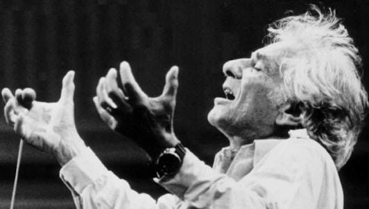 NUEVO: Leonard Bernstein dirige la Sinfonía n.° 5 de Shostakóvich