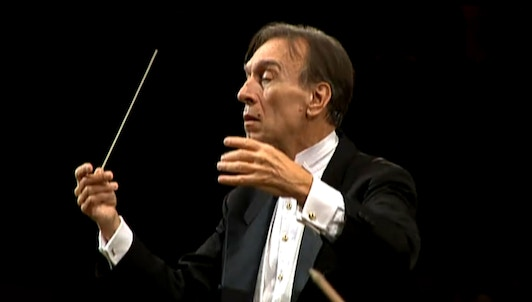 Claudio Abbado conducts Beethoven's Symphony No. 1