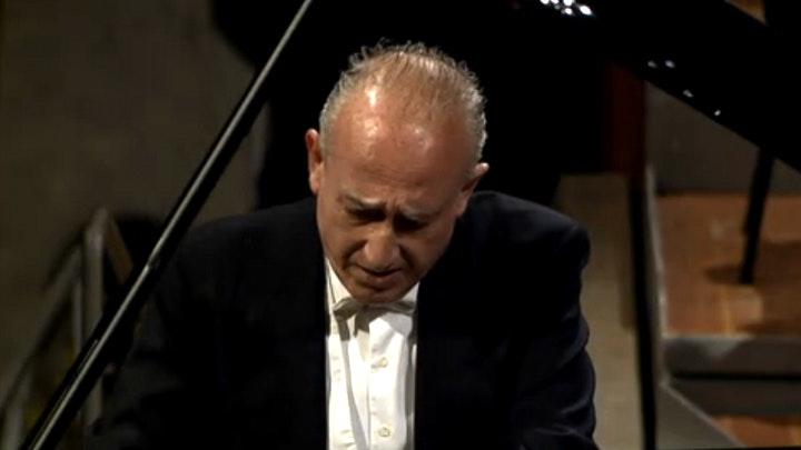 Claudio Abbado and Maurizio Pollini perform Beethoven Choral Fantasy