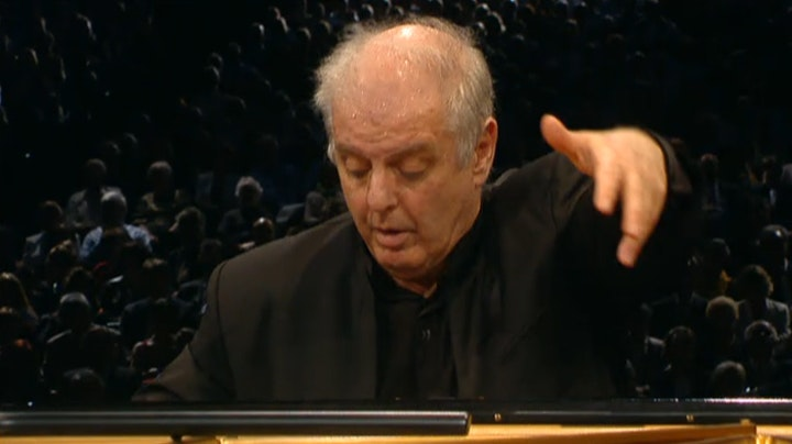 Daniel Barenboim plays and conducts Beethoven: Piano Concerto No. 2