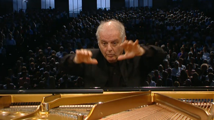 Daniel Barenboim plays and conducts Beethoven's Piano Concerto No. 4