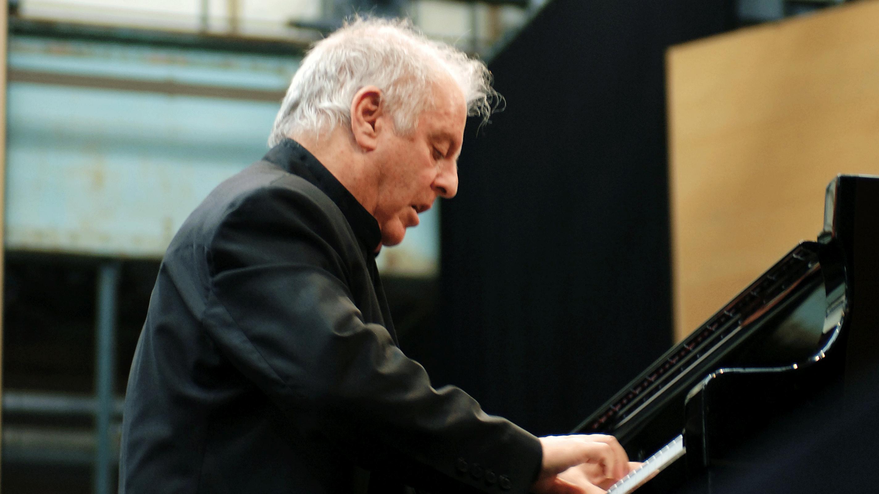 Daniel Barenboim joue et dirige le Concerto pour piano n°1 de Beethoven