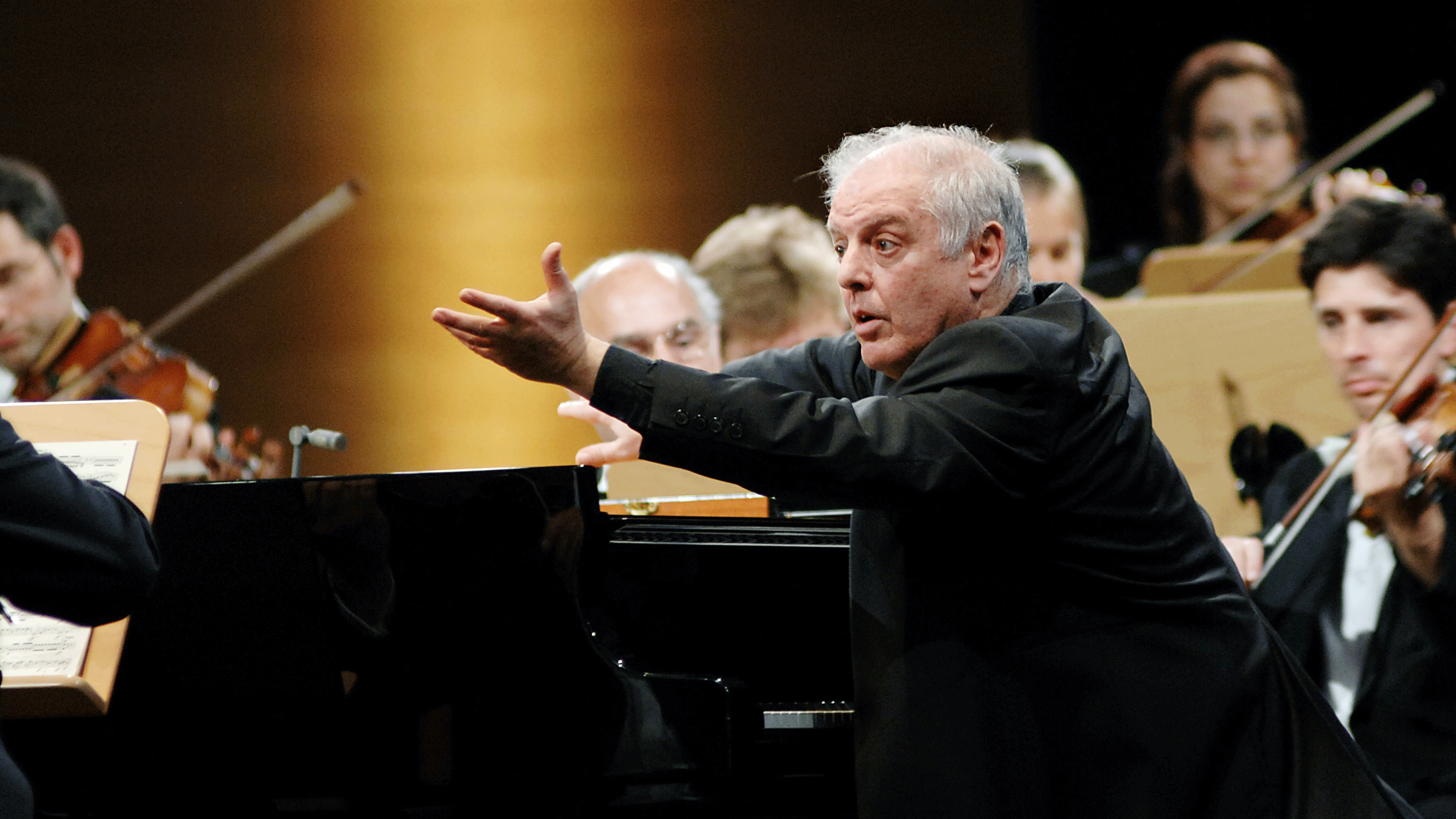 Daniel Barenboim joue et dirige le Concerto pour piano n°2 de Beethoven