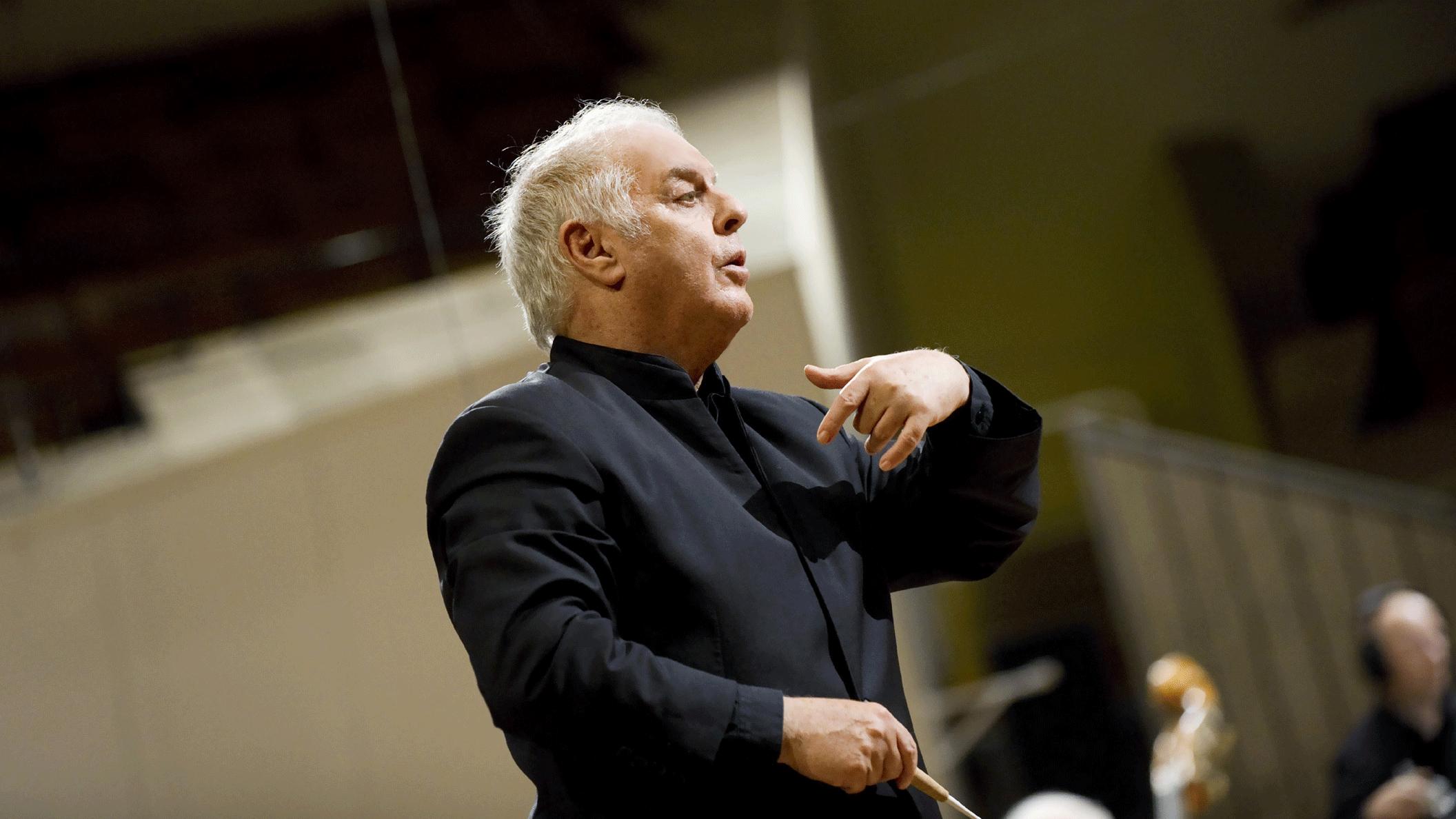 Daniel Barenboim conducts Bruckner's Symphony No. 7
