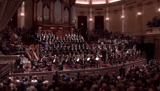 Daniele Gatti dirige la Symphonie n°2 de Mahler, « Résurrection »