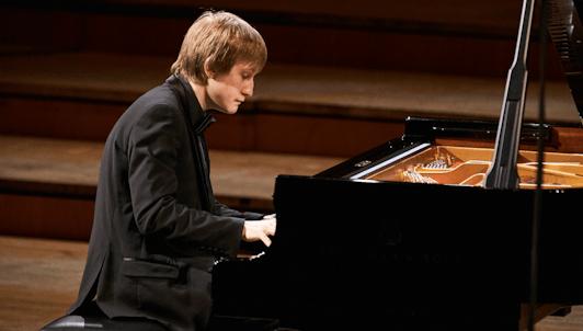 Dmitry Masleev interpreta las Sonatas para piano n.° 1, n.° 2 y n.° 3 de Prokófiev