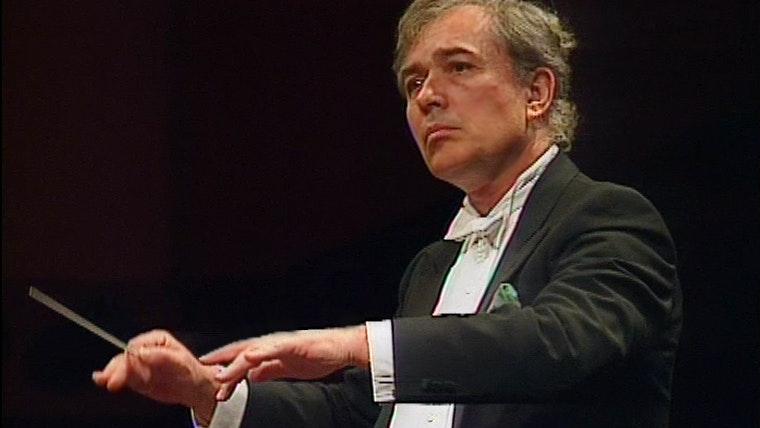 "Libor Pešek conducts Dvořák: Symphony No. 9 ""From The New World"""