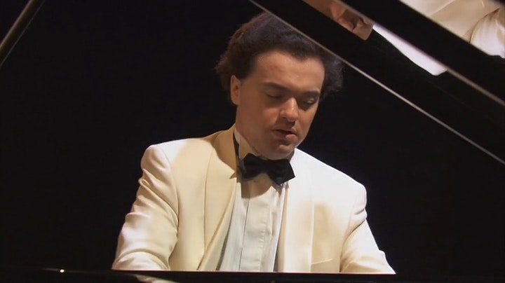 Evgeny Kissin performs Schumann and Chopin : Fantasiestucke and Ballades