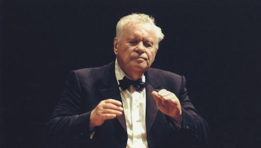 Yevgueni Svetlánov dirige la Sinfonía n.° 6 de Chaikovski