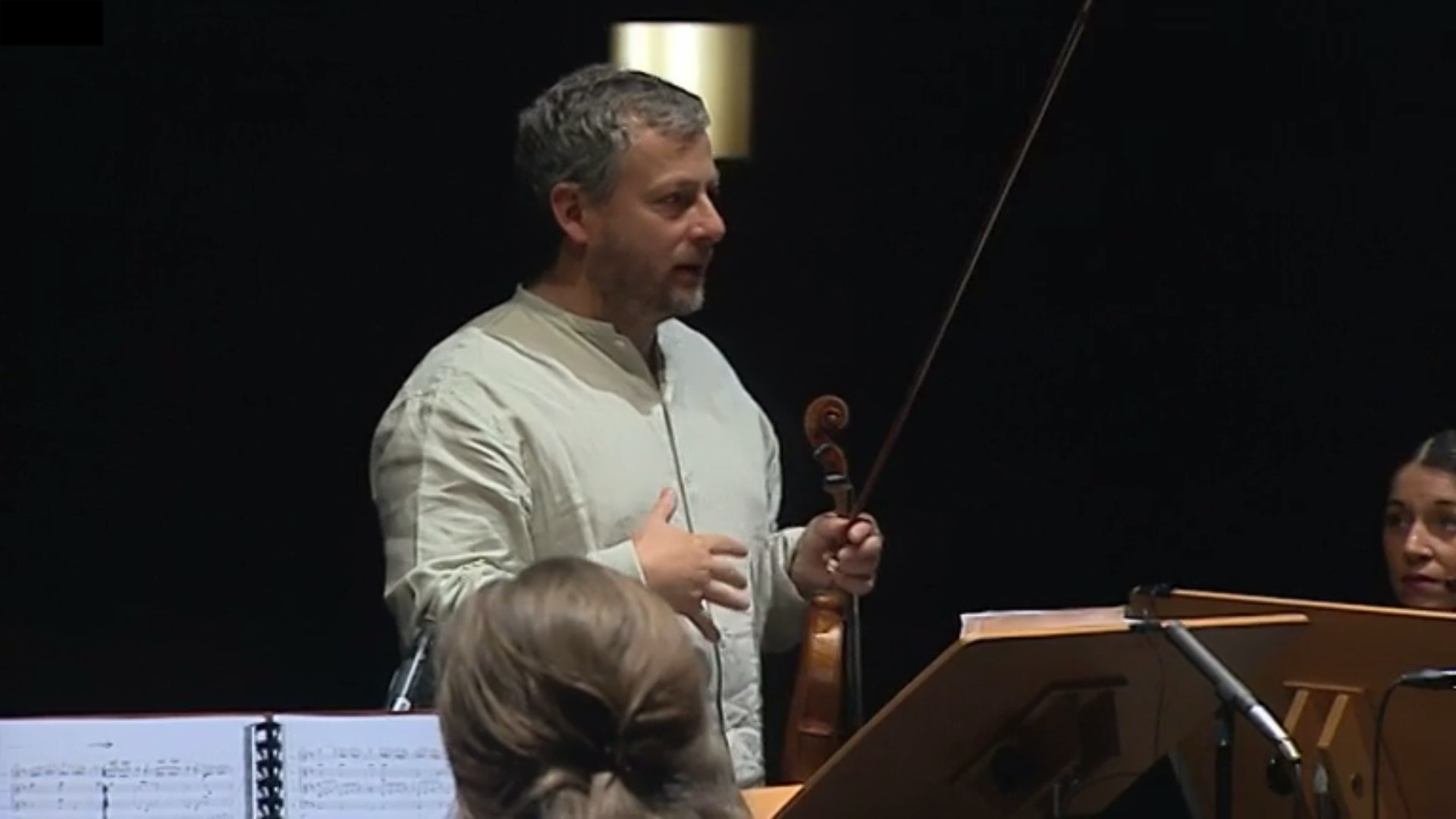 Fabio Biondi, a conductor without baton