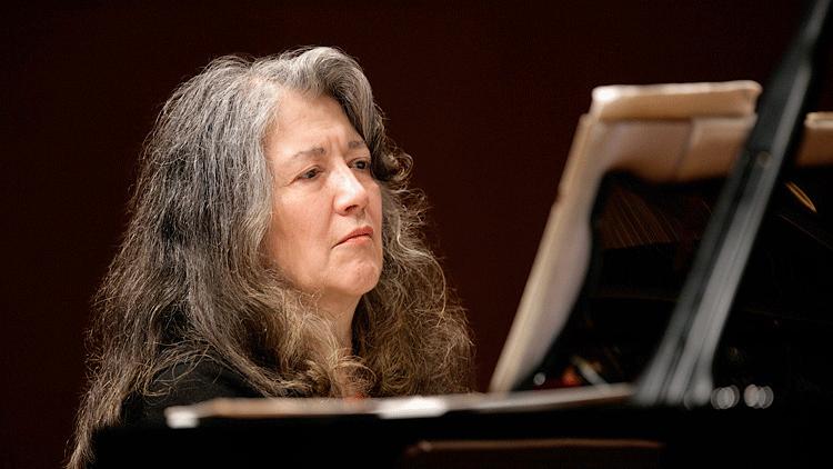 Gábor Takács-Nagy conducts Beethoven, Scarlatti, and Mozart – With Martha Argerich and Yuja Wang
