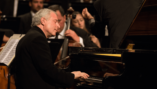 Gábor Takács-Nagy conducts Haydn, Schumann, and Brahms – With Sir András Schiff