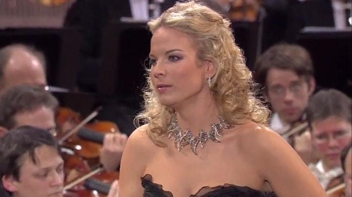 Elīna Garanča and Gustavo Dudamel perform Saint-Saëns, Bizet, and De Falla
