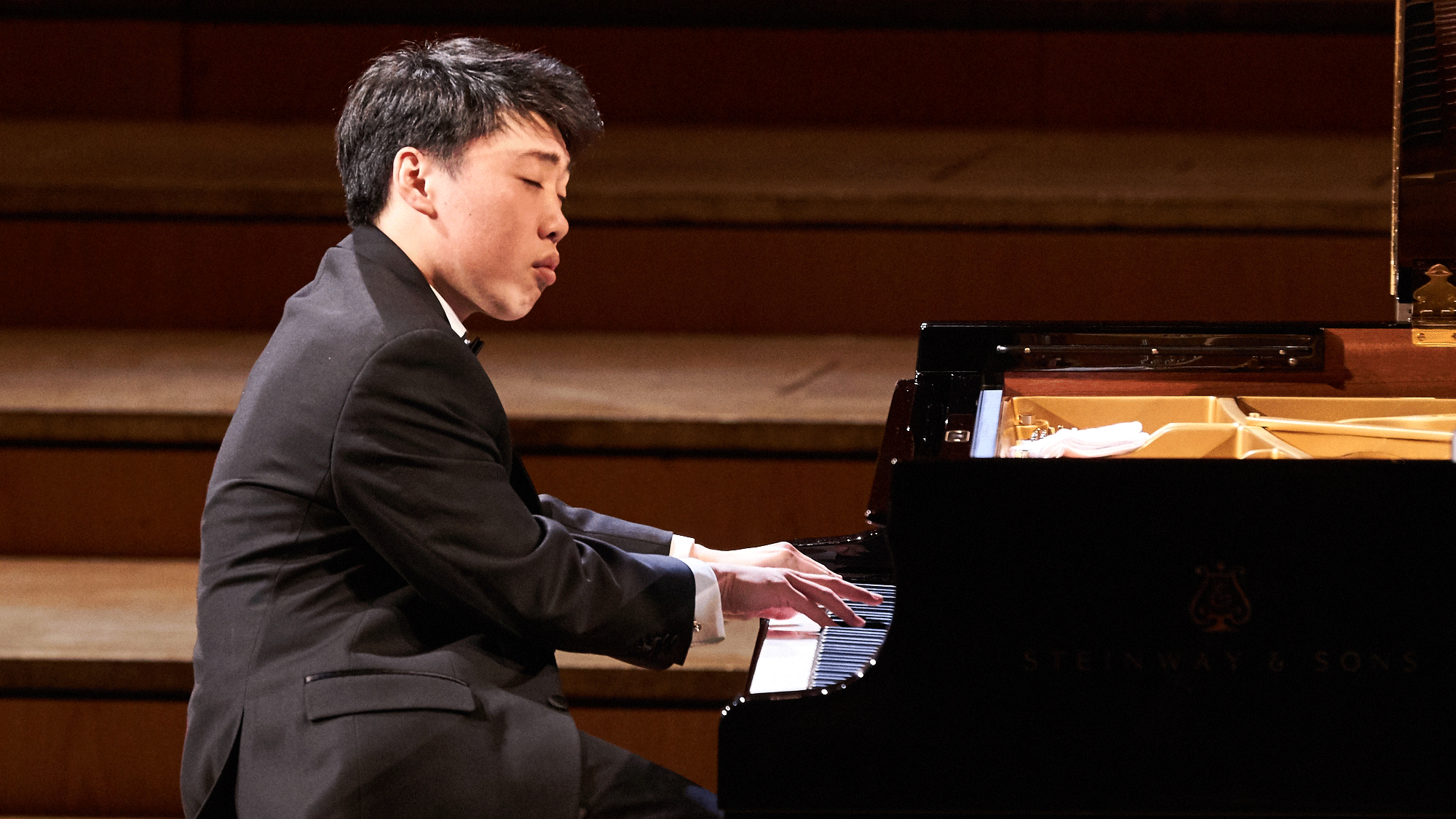 George Li performs Prokofiev's Piano Sonata No. 4