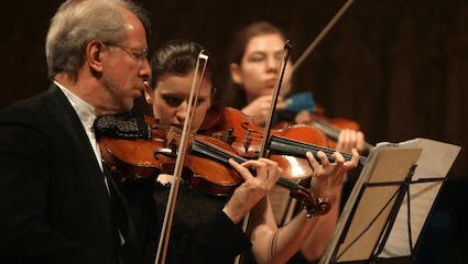Gidon Kremer and the Kremerata Baltica play Mahler, Shostakovich, Piazzolla and Kremer