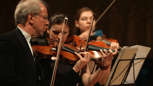 Gidon Kremer and the Kremerata Baltica play Mahler, Shostakovich, Piazzolla and Kremer