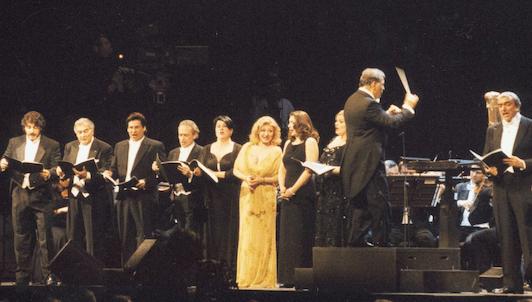 Plácido Domingo, José Carreras, José Cura, Marcelo Álvarez, Barbara Frittoli... chantent les tubes de Verdi