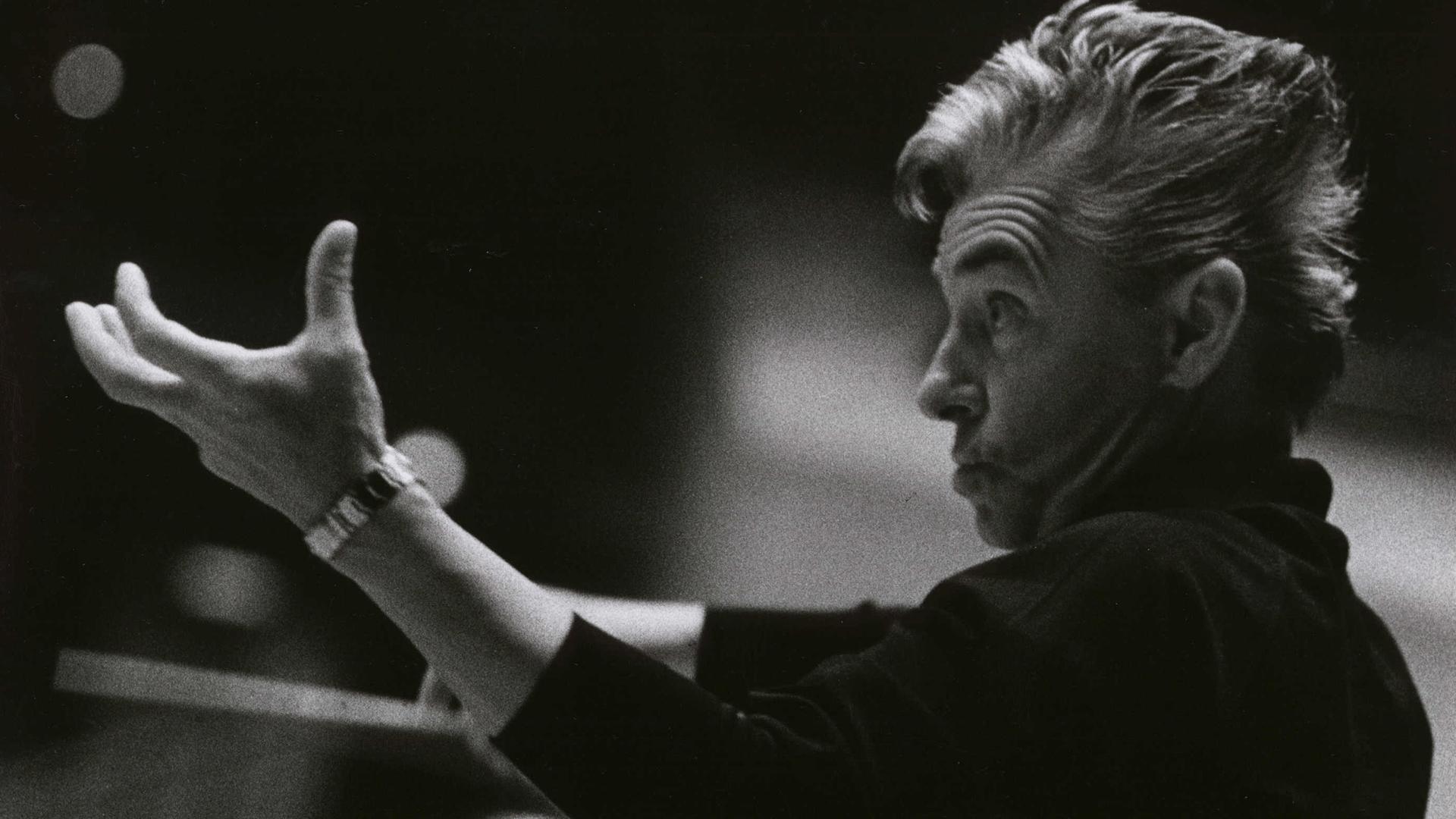 Herbert von Karajan dirige la Symphonie n°1 de Beethoven