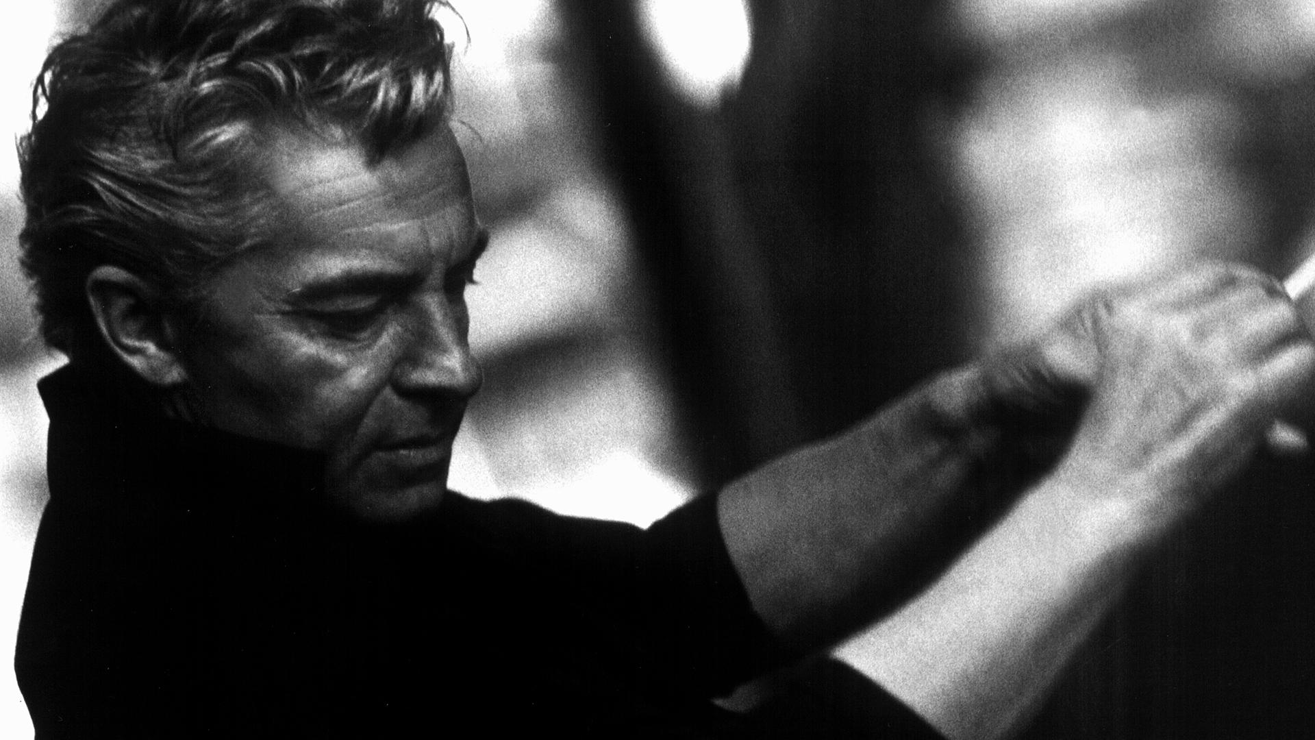 Herbert von Karajan dirige le Divertimento n°17 de Mozart