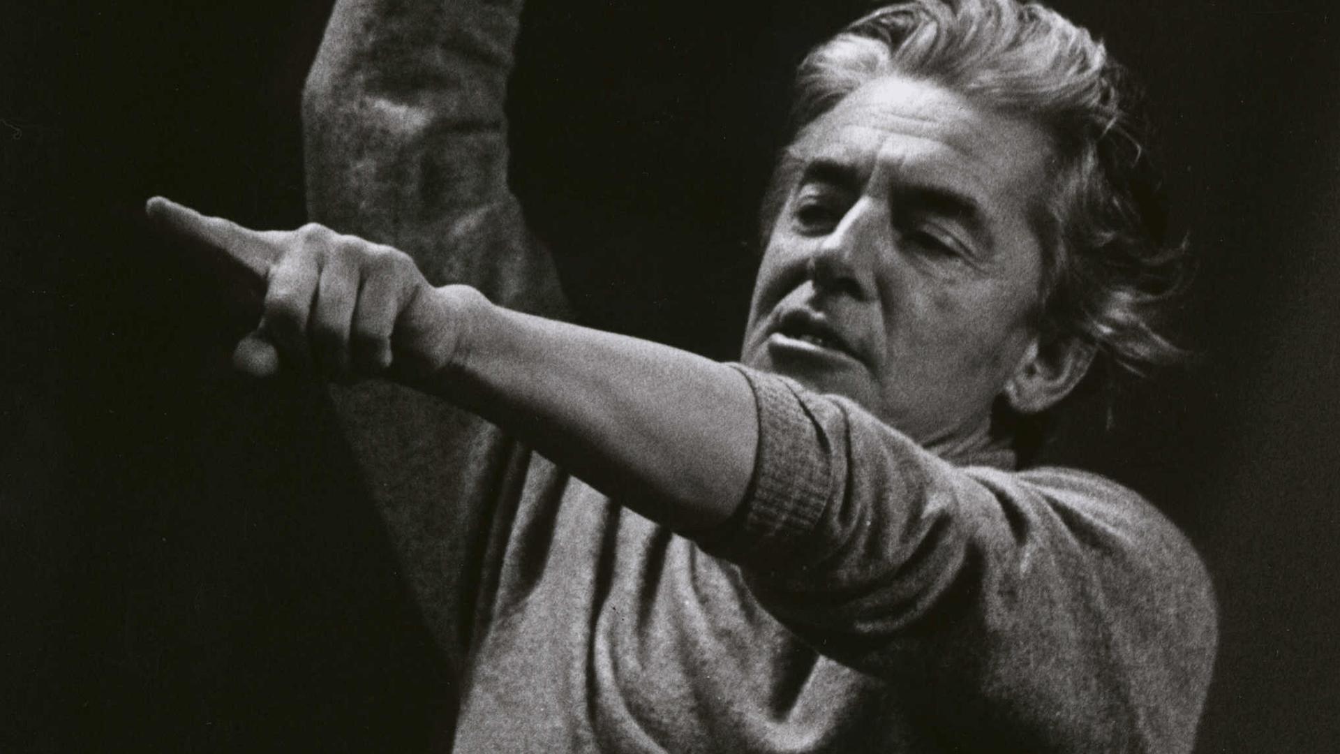 Herbert von Karajan conducts the 1985 New Year's Eve Concert
