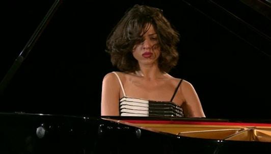 Khatia Buniatishvili dans un récital Liszt