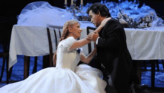 La sonámbula – Puesta en escena: Marco Arturo Marelli