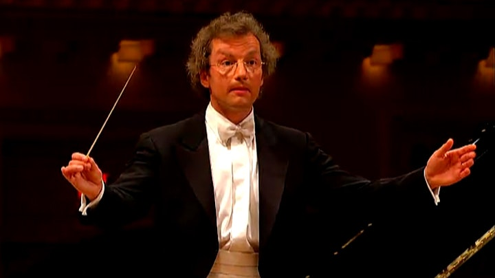 Franz Welser-Möst conducts Mozart and Strauss