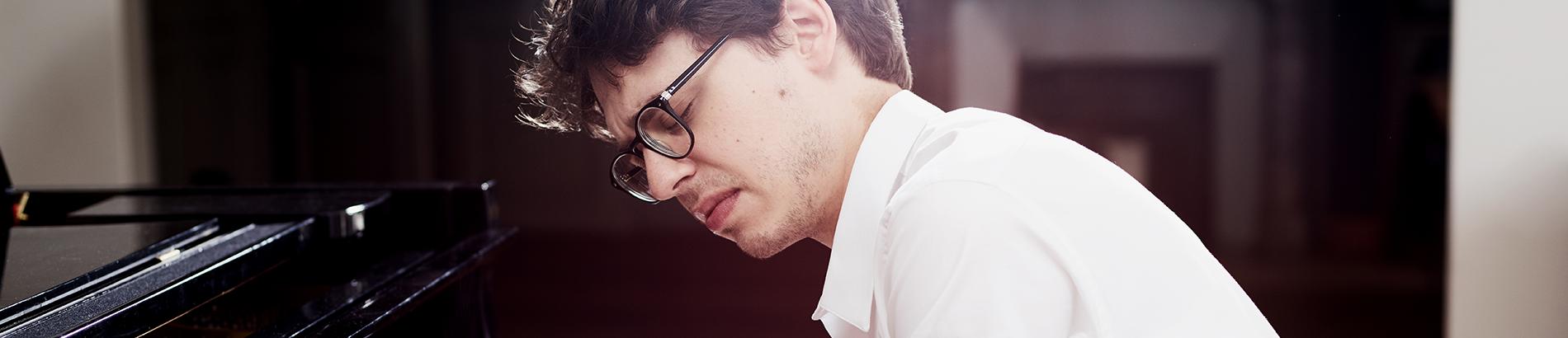 Lucas Debargue : Tout à la musique