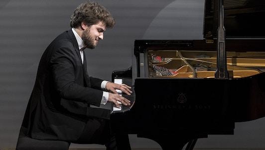 NOUVEAUTÉ : Lukas Geniušas interprète les Études de Chopin, op. 10 et op. 25