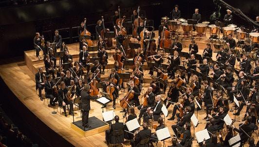 Pablo Heras-Casado conducts Lutosławski's Musique funèbre