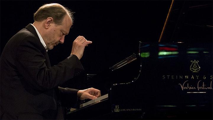 Marc-André Hamelin plays Haydn, Field, Debussy, Hamelin and Liszt
