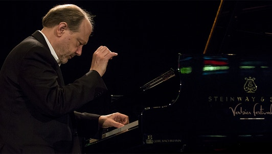 Marc-André Hamelin plays Haydn, Field, Debussy, Hamelin and Liszt