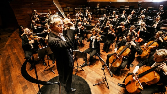 Fabio Luisi conducts Brahms and Nielsen