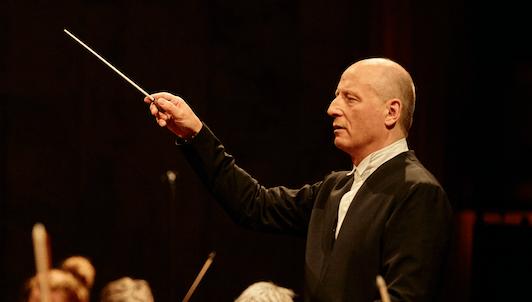 Paavo Järvi dirige la Sinfonía n.° 4 de Brahms