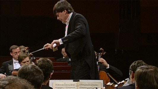 Petr Altrichter dirige la Sinfonía n.° 8 de Dvořák