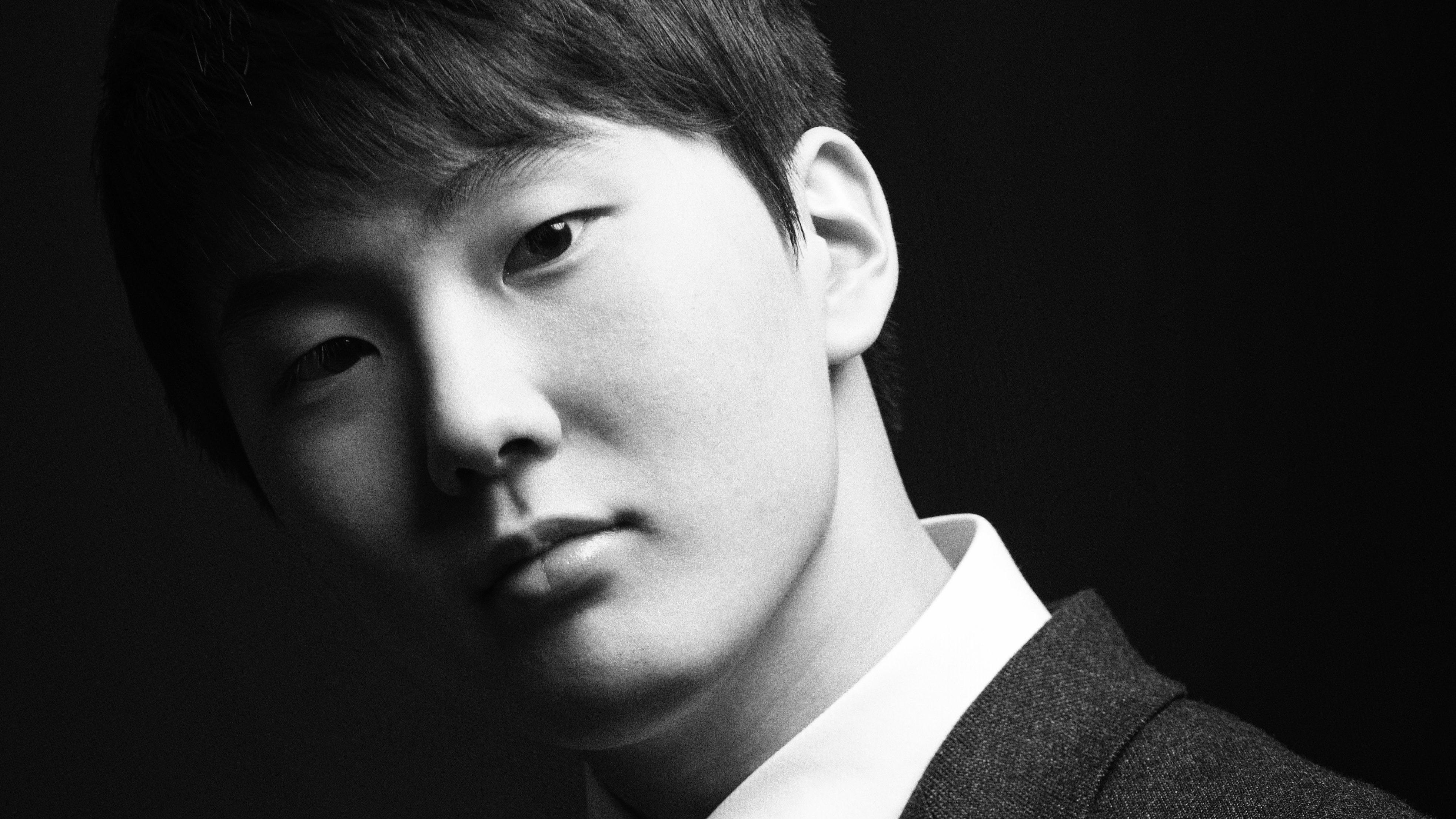 Seong-Jin Cho plays Mozart and Schubert