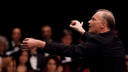 Gianandrea Noseda dirige deux chefs-d'œuvre symphoniques de Chostakovitch – Avec Nicola Benedetti