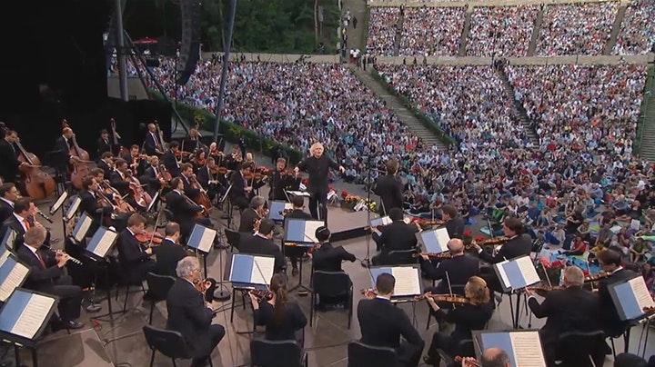 Sir Simon Rattle conducts Mendelssohn, Bach and Beethoven – With Christian Tetzlaff, Camilla Tilling, Nathalie Stutzmann, Joseph Kaiser, Dimitry Ivashchenko