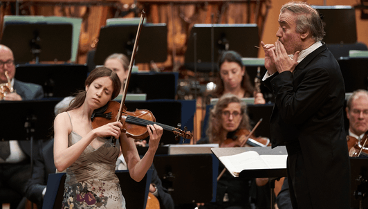 Valery Gergiev conducts Mozart's Violin Concerto No. 1 – With Vilde Frang
