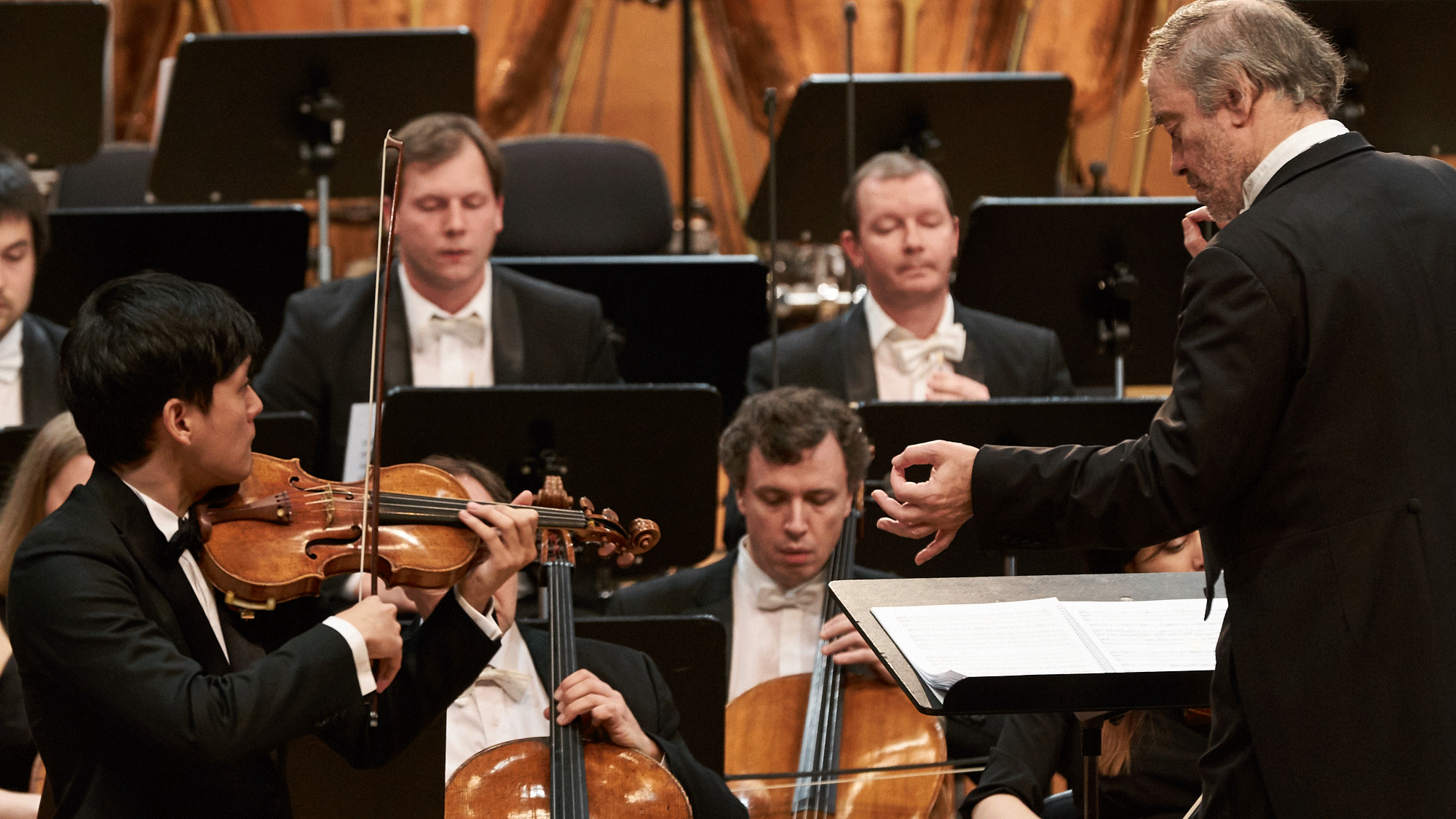 Valery Gergiev conducts Mozart's Violin Concert No. 4 – With Yu-Chien Tseng