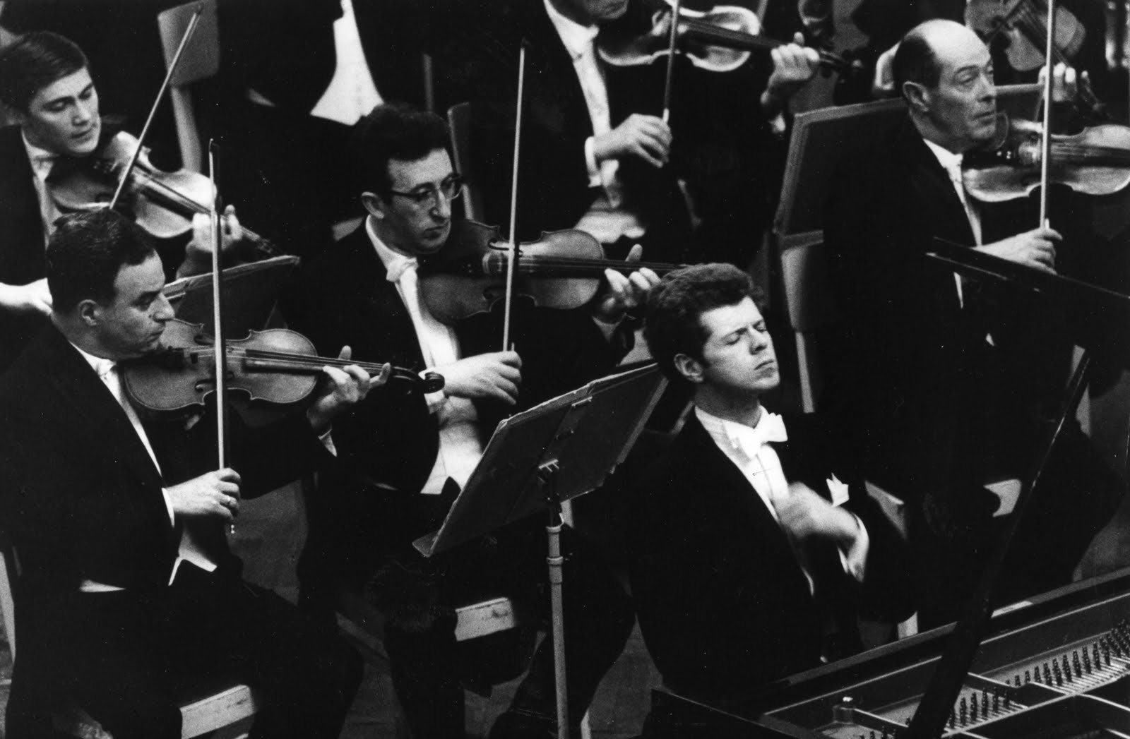 Kondrashin conducts Brahms and Grieg – With Van Cliburn