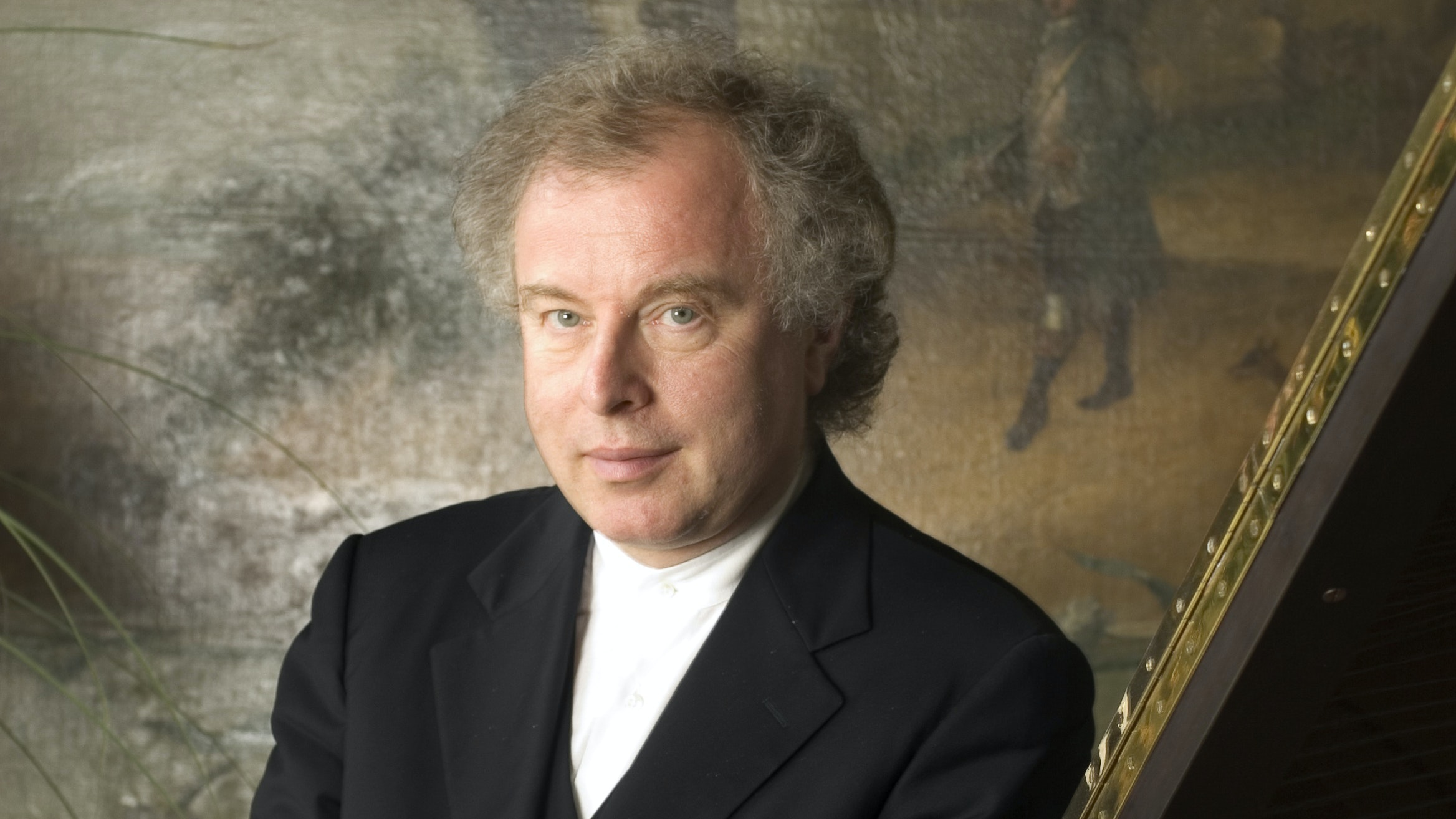 András Schiff conducts and performs Bach, Haydn, and Beethoven